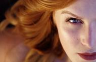 Як правильно доглядати за шкірою навколо очей